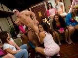 Sorority girls blow male strippers